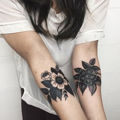 """""""A pair of flowers for Katie's first tattoos, thank you! Done yesterday @le_sphinx_tattoo —  LYON (Biribi) March 17-20 full  LONDON (Sang Bleu) April…"""""""