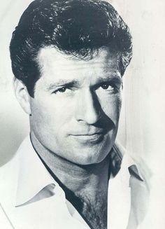 Acot Hugh O'Brian - former Soda Jerk at Schwab's - yep. Hollywood Men, Hollywood Icons, Classic Hollywood, Hollywood Glamour, Hugh O'brian, Famous Legends, Change Picture, Tv Westerns, O Brian