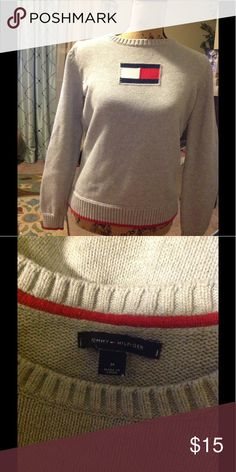 Sweater Tommy Hilfiger sweater excellent condition Sweaters Crew & Scoop Necks