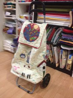 Patch World: Carro de la compra Stroller Bag, Suitcase, Sewing, Shopping, Google, Scrappy Quilts, Rolling Shopping Cart, Weekender, Diy And Crafts
