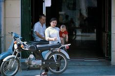 Da Nang, Baby Strollers, Scooters, Motorcycles, Baby Prams, Motor Scooters, Prams, Vespas, Motorbikes