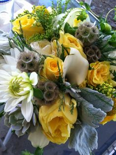 Goldenrod Glamour | Simply Beautiful Weddings & Events