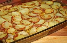 Potatoes with bacon and courgettes # food recipes cooking Trout Recipes, Fried Fish Recipes, Tater Tot Casserole, Chicken Casserole, Good Food, Yummy Food, Shellfish Recipes, Russian Dishes, Winter Food