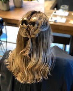 AMI Kappers Coevorden Up Hairstyles, Dreadlocks, Long Hair Styles, Beauty, Hairdos, Long Hairstyle, Long Haircuts, Up Dos, Dreads