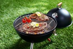 Looking for a good portable grill? Check our buying guide from product experts http://yummyribs.com/how-to-buy-portable-grill/ #grill #blackfriday #bbq
