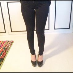 "Selling this ""Bullhead 55 Denim Legging"" in my Poshmark closet! My username is: mkmcarthur. #shopmycloset #poshmark #fashion #shopping #style #forsale #Bullhead #Pants"