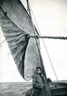 Édouard Boubat - Le vieil home et la mer [The Old Man and the Sea], 1982