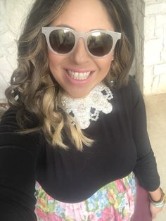 Rocking this fabulous vintage mid century beaded collar necklace! Love Etsy for all the wonderful vintage items!! PS these fun earrings are under $10 and from Forever 21! #ootd #stylnbrunette #bossbabe #summer #fashion #brondehair #vintagehostess #dinnerparty #vintage #sablogger #summerstyle