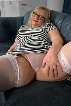 Amazing bbw leg spread with satin panties