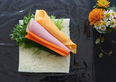 サンドらずの作り方 Bento, Plastic Cutting Board, Sandwiches, Salad, Food, Recipes, Essen, Salads, Meals