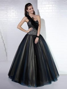 Black Organza Ball Gown Silhouette One-shoulder Sequined Bodice Quinceanera Dress