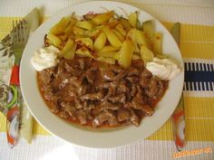 Hovädzie mäso Stroganov Meat Recipes, Food And Drink, Pork, Beef, Cooking, Meat Food, Food, Beef Recipes, Pork Roulade