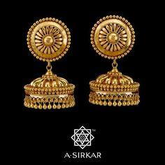 Gold Jewelry For Wedding Mens Diamond Stud Earrings, Gold Jhumka Earrings, Jewelry Design Earrings, Gold Earrings Designs, Indian Earrings, Gold Jewellery Design, Jhumka Designs, Tragus Earrings, Indian Wedding Jewelry
