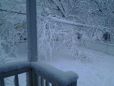 Same snow on  2/25/2013  @8am