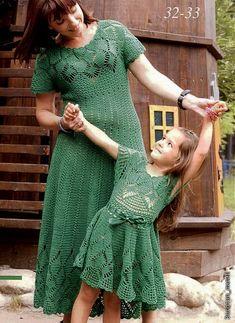 Платья для мамы и дочки крючком.