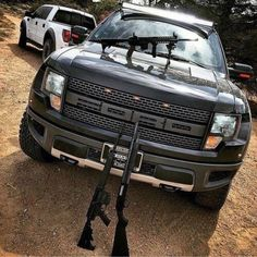 M a f i o s o s💰: Photo Gmc Trucks, Pickup Trucks, Favelas Brazil, Fast Money Online, Indian Army Quotes, Drug Cartel, Gym Workout Videos, Suv Cars, Violent Crime