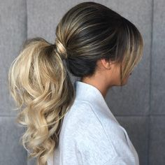Gorgeous Ponytail Hairstyle Ideas That Will Leave You In FAB - ponytail wedding hairstyles Fancy Hairstyles, Bride Hairstyles, Ponytail Hairstyles, Hairstyle Ideas, Ponytail Bun, Multicolored Hair, Colourful Hair, Vintage Wedding Hair, Mid Length Hair