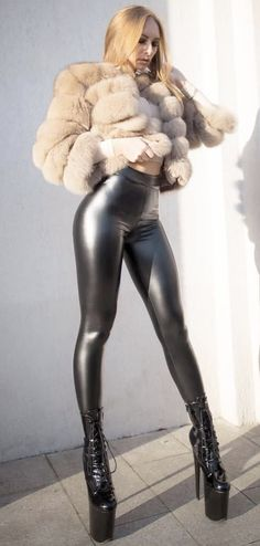 Best Leggings, Tight Leggings, Awesome Leggings, White Face Mask, Sexy Boots, High Boots, Sexy Latex, Tights Outfit, Summer Dresses For Women