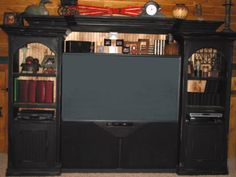 Shows expandable crown for larger TV's