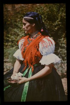 népviselet /Hungarian folk costume from the Folk Costume, Costumes, Royal Clothing, Ethnic, Military, Detail, 1920s, How To Wear, Europe