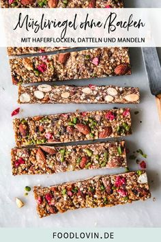 bars without baking - Make healthy and absolutely delicious muesli bars easily without baking! -Granola bars without baking - Make healthy and absolutely delicious muesli bars easily without baking! Healthy Dessert Recipes, Raw Food Recipes, Diet Recipes, Cooking Recipes, Desserts, Barre Muesli, Foil Pack Meals, Muesli Bars, Luxury Food
