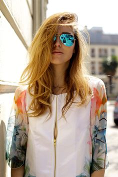 Muse | The Blonde Salad | SERGIO ROSSI SHOES DL1961 JEANS MAISON ABOUT JACKET RAY-BAN SUNGLASSES