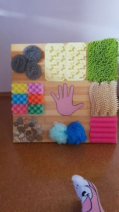26 fun and easy activities and crafts for kids on cold winter days . Garden DIY 26 fun and easy activities and handicrafts for children on cold winter days … – Baby Sensory Play, Sensory Wall, Sensory Boards, Baby Play, Sensory Board For Babies, Sensory Blocks, Busy Boards For Toddlers, Toddler Play, Toddler Daycare Rooms