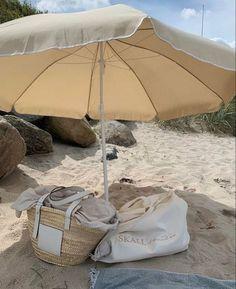 Summer Dream, Summer Sun, Summer Of Love, Summer Girls, Summer Time, Summer Energy, Summer Days, Beach Aesthetic, Summer Aesthetic