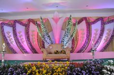 Enhance your wedding ceremony with breathtaking floral designs...