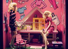 >>>Cheap Sale OFF! Moschino, Retail Store Design, Living Dolls, Summer Is Here, Mattel Barbie, Visual Merchandising, Business Women, Fashion Dolls, Display Windows
