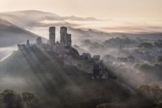Dorset England, England And Scotland, Beautiful Places To Visit, Places To See, Beautiful Homes, Corfe Castle, Photography Competitions, Landscape Photographers, Abandoned Places