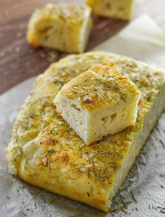 Wait! What? Focaccia you don't need to knead? Yes! This No Knead Focaccia with Rosemary