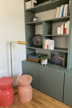 Home And Living, Living Room, Parents Room, Cupboard Design, Bookshelves Built In, Mid Century House, Sweet Home, New Homes, Diy Projects
