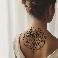 Gorgeous Henna Ideas from Intricate to Elaborate - TattooBlend Henna Tattoo Back, Back Henna, Henna Ink, Lace Tattoo, Mehndi Tattoo, Tatoo Art, Henna Tattoo Designs, Boho Tattoos, Body Art Tattoos