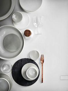 Conjunto Tableware Redondo com Diferentes Materiais