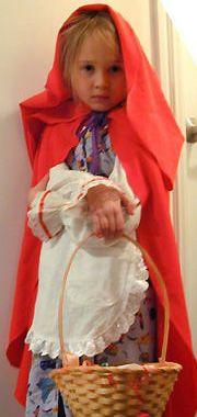 вот так можно пошить <u>сшить детский халат доктора выкройка</u> новогодний детский костюм Красная Шапочка