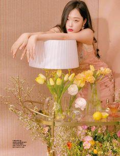 180221 f(Sulli) for Cosmopolitan Korea Sulli Choi, Choi Jin, Aesthetic People, Retro Aesthetic, Photoshoot Concept, Love U Forever, Film Inspiration, Fashion Catalogue, Art Model