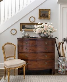 Designer to Watch: August Taylor Design - Sophisticated Style Decoration Chic, Antique Interior, Interior Decorating, Interior Design, My New Room, Traditional House, Modern Traditional Decor, Cozy House, Home Decor Inspiration