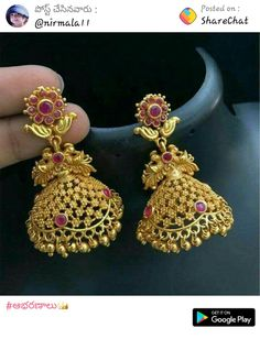A collection of latest gold jhumka earring designs with images. Gold Jhumka Earrings, Jewelry Design Earrings, Gold Earrings Designs, Designer Earrings, Necklace Designs, Ring Designs, Gold Necklace, Gold Chain Design, Gold Bangles Design