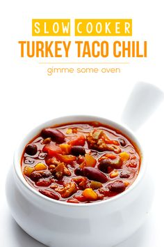 Make with elk, Thursday Dinner This slow cooker turkey taco chili recipe only takes 15 minutes to prep, and is SO tasty Chili Recipes, Slow Cooker Recipes, Crockpot Recipes, Soup Recipes, Great Recipes, Cooking Recipes, Favorite Recipes, Healthy Recipes, Mexican Recipes