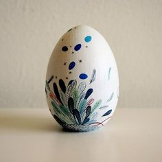 Jeana Sohn's painted egg
