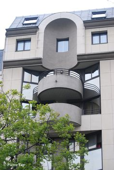 Place de la Nation et ses immeubles
