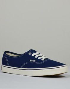 Zapatillas de lona para hombre color azul añil de Tiendas13 Zapatillas De  Lona 0687e640ce5