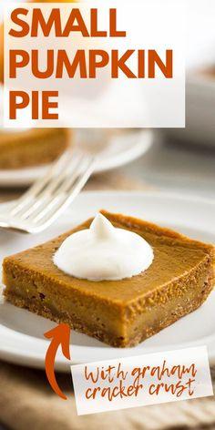 Pumpkin Pie Crust, Easy Pumpkin Pie, Mini Pumpkin Pies, Pumpkin Pie Recipes, Pumpkin Pie Recipe Graham Cracker Crust, Mini Pies, Graham Cracker Dessert, Graham Cracker Recipes, Graham Crackers