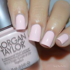 Nail this chic and charming mani by Sheily using her gifted Morgan Taylor Professional Nail Lacquer in Plumette With Excitement from the #BeautyandtheBeast 2017 Collection. Discover this perfectly pink shade by clicking through. Products were gifted as part of the Preen.Me VIP program together with Morgan Taylor.