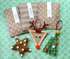 Popscicle Stick Ornaments: DIY Holiday Projects for the Classroom