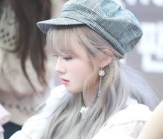 Find images and videos about kpop, wjsn and cosmic girls on We Heart It - the app to get lost in what you love. Yuehua Entertainment, Starship Entertainment, Wjsn Luda, Xuan Yi, Park Bo Young, Cosmic Girls, Cute Korean, Favorite Person, K Idols