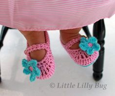 Crochet Mary Jane Baby Booties, Baby Shoes, Pink and Aqua Booties, Baby Slippers, sizes NB, 0-3 months, 3-6 months, 6-9 months, 9-12 months
