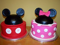 LOVEEE! his and hers bday cakes for duo bday!