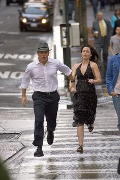 Still of Matt Damon and Emily Blunt in The Adjustment Bureau